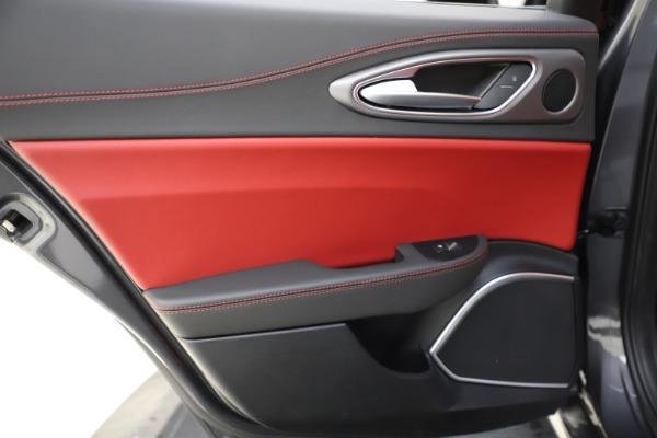 New 2020 Alfa Romeo Giulia Ti Sport Q4 for sale $48,595 at Maserati of Greenwich in Greenwich CT 06830 21
