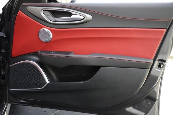 New 2020 Alfa Romeo Giulia Ti Sport Q4 for sale $48,595 at Maserati of Greenwich in Greenwich CT 06830 25
