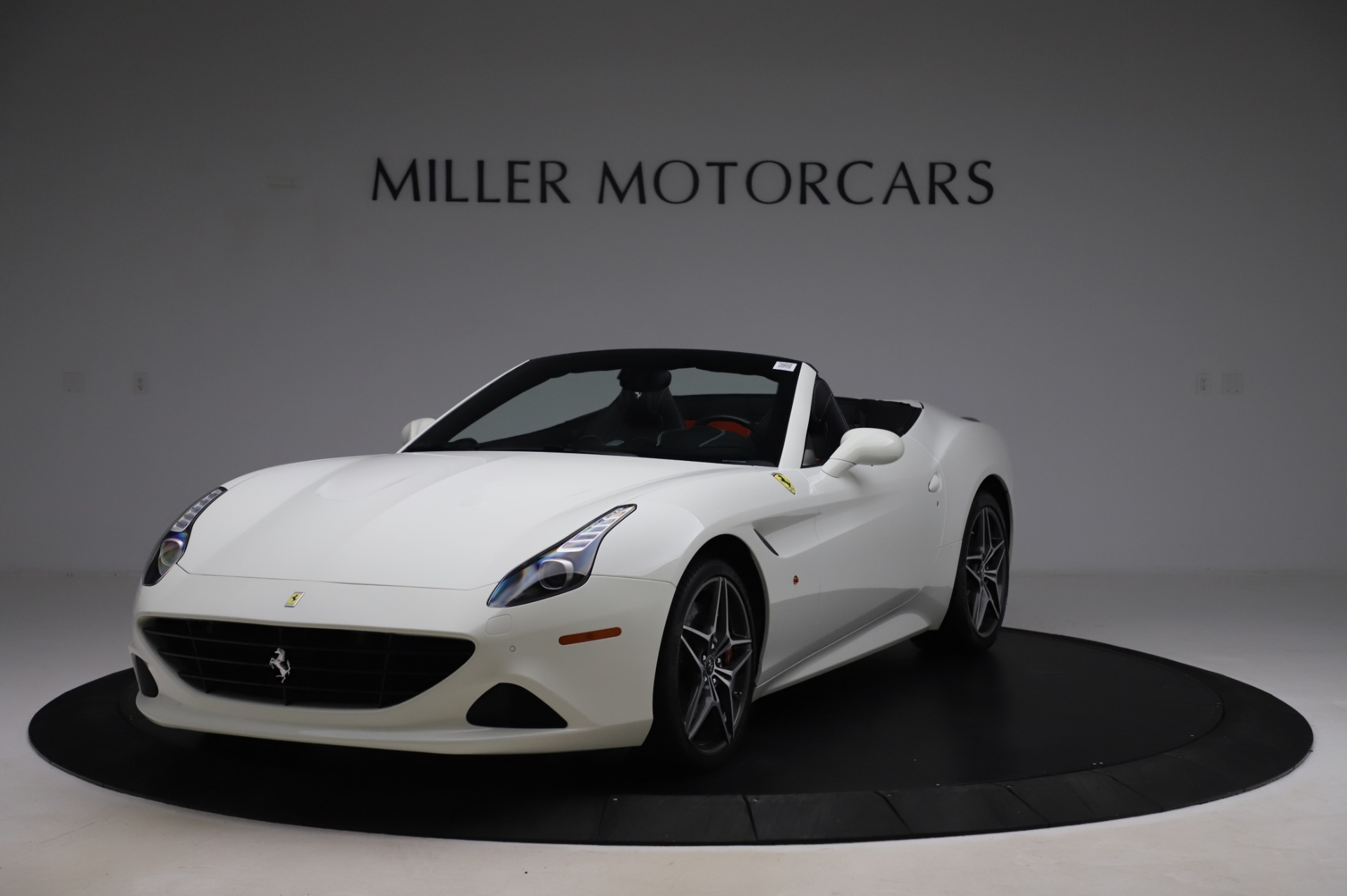 Used 2015 Ferrari California T for sale $159,900 at Maserati of Greenwich in Greenwich CT 06830 1