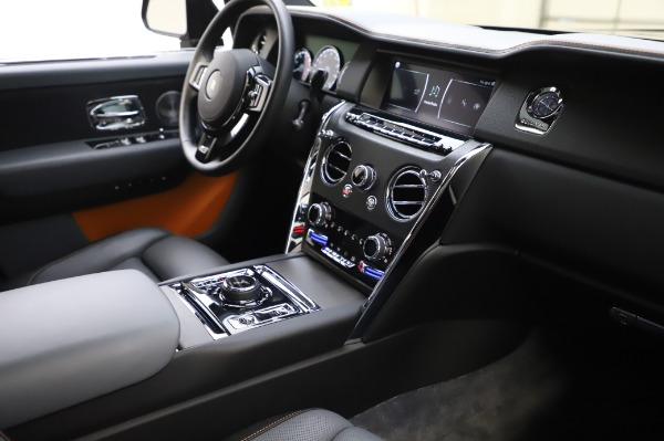 Used 2019 Rolls-Royce Cullinan for sale $349,900 at Maserati of Greenwich in Greenwich CT 06830 13