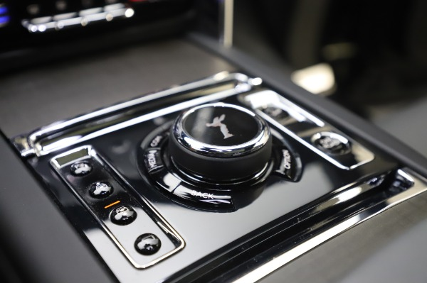 Used 2019 Rolls-Royce Cullinan for sale $349,900 at Maserati of Greenwich in Greenwich CT 06830 24