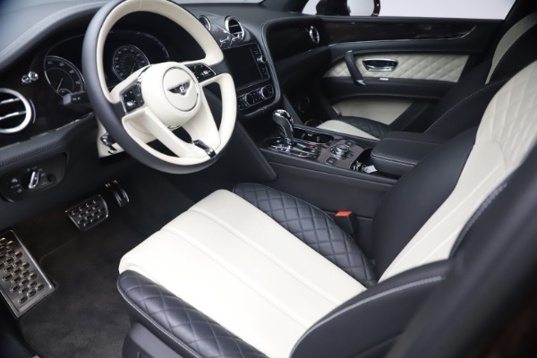 Used 2020 Bentley Bentayga V8 for sale $186,900 at Maserati of Greenwich in Greenwich CT 06830 17