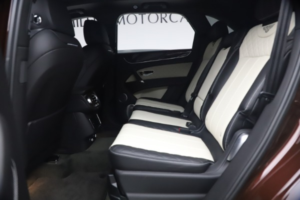 Used 2020 Bentley Bentayga V8 for sale $186,900 at Maserati of Greenwich in Greenwich CT 06830 22