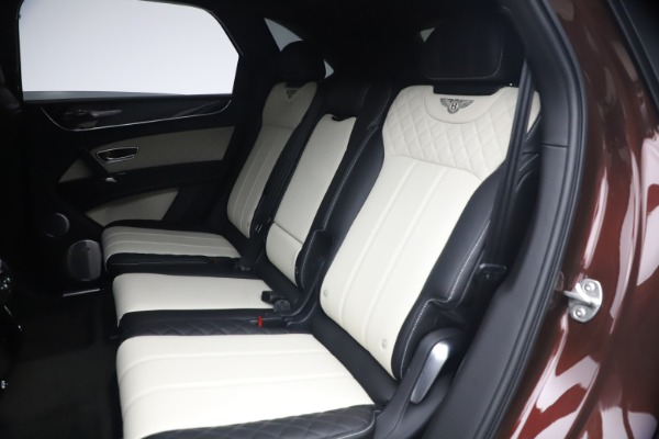 Used 2020 Bentley Bentayga V8 for sale $186,900 at Maserati of Greenwich in Greenwich CT 06830 23