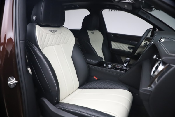 Used 2020 Bentley Bentayga V8 for sale $186,900 at Maserati of Greenwich in Greenwich CT 06830 27