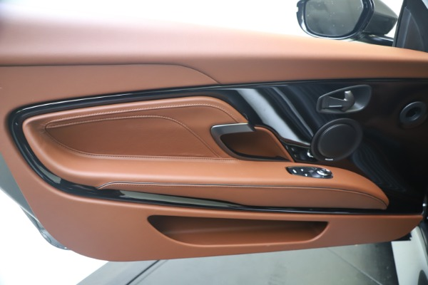 New 2020 Aston Martin DBS Superleggera Volante for sale $375,916 at Maserati of Greenwich in Greenwich CT 06830 18