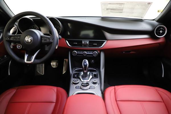 New 2020 Alfa Romeo Giulia Sport Q4 for sale Sold at Maserati of Greenwich in Greenwich CT 06830 16