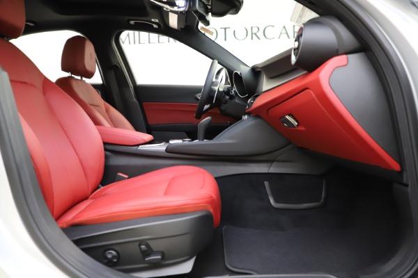 New 2020 Alfa Romeo Giulia Sport Q4 for sale Sold at Maserati of Greenwich in Greenwich CT 06830 22