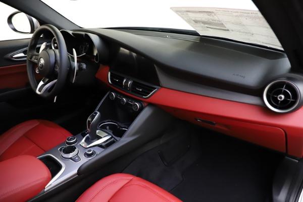 New 2020 Alfa Romeo Giulia Sport Q4 for sale Sold at Maserati of Greenwich in Greenwich CT 06830 23