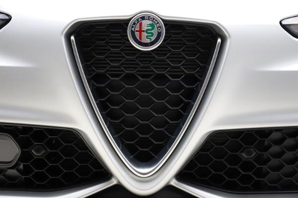 New 2020 Alfa Romeo Giulia Sport Q4 for sale Sold at Maserati of Greenwich in Greenwich CT 06830 27