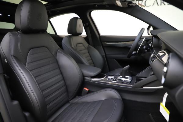 New 2020 Alfa Romeo Stelvio Ti Sport Carbon Q4 for sale Sold at Maserati of Greenwich in Greenwich CT 06830 22
