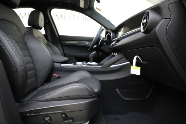 New 2020 Alfa Romeo Stelvio Ti Sport Carbon Q4 for sale Sold at Maserati of Greenwich in Greenwich CT 06830 23