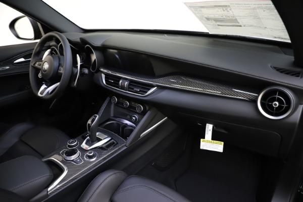 New 2020 Alfa Romeo Stelvio Ti Sport Carbon Q4 for sale Sold at Maserati of Greenwich in Greenwich CT 06830 24