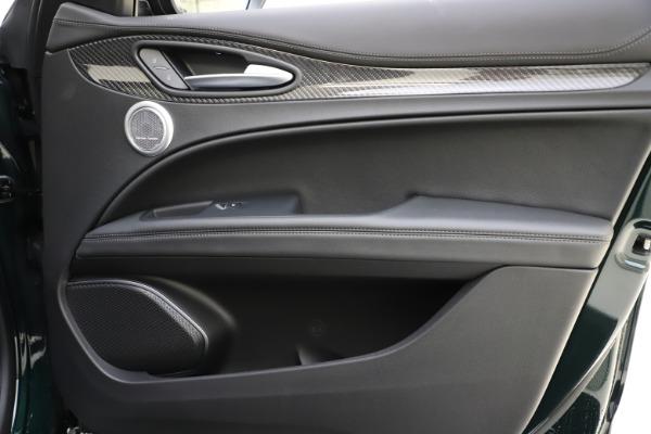 New 2020 Alfa Romeo Stelvio Ti Sport Carbon Q4 for sale Sold at Maserati of Greenwich in Greenwich CT 06830 25