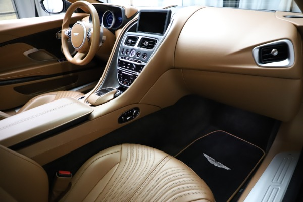 Used 2017 Aston Martin DB11 for sale $155,900 at Maserati of Greenwich in Greenwich CT 06830 18