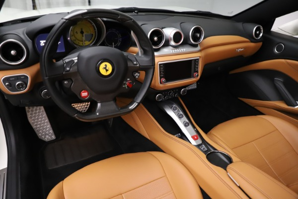 Used 2018 Ferrari California T for sale $169,900 at Maserati of Greenwich in Greenwich CT 06830 17