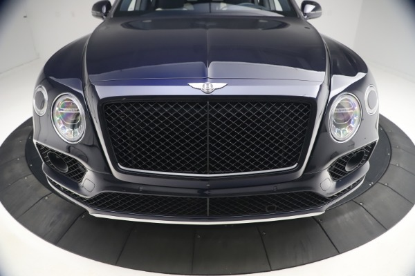 Used 2018 Bentley Bentayga W12 Signature Edition for sale $149,900 at Maserati of Greenwich in Greenwich CT 06830 13