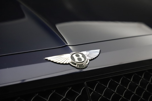 Used 2018 Bentley Bentayga W12 Signature Edition for sale $149,900 at Maserati of Greenwich in Greenwich CT 06830 14