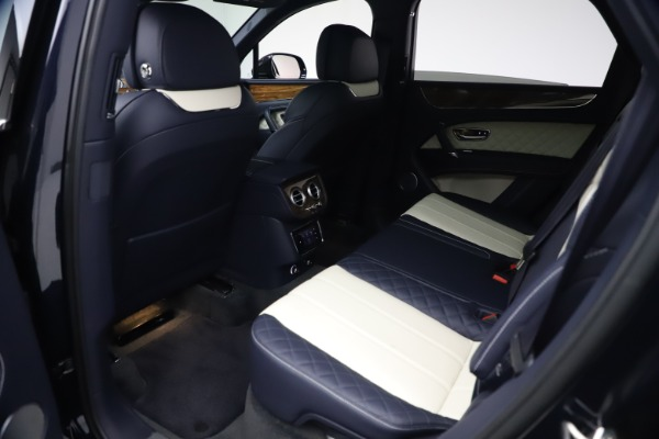 Used 2018 Bentley Bentayga W12 Signature Edition for sale $149,900 at Maserati of Greenwich in Greenwich CT 06830 20