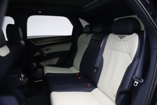 Used 2018 Bentley Bentayga W12 Signature Edition for sale $149,900 at Maserati of Greenwich in Greenwich CT 06830 22