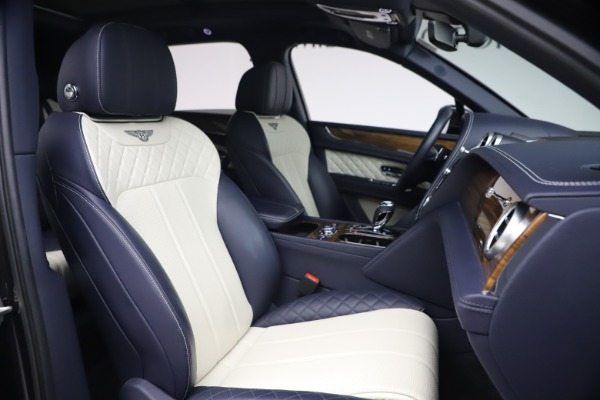 Used 2018 Bentley Bentayga W12 Signature Edition for sale $149,900 at Maserati of Greenwich in Greenwich CT 06830 26