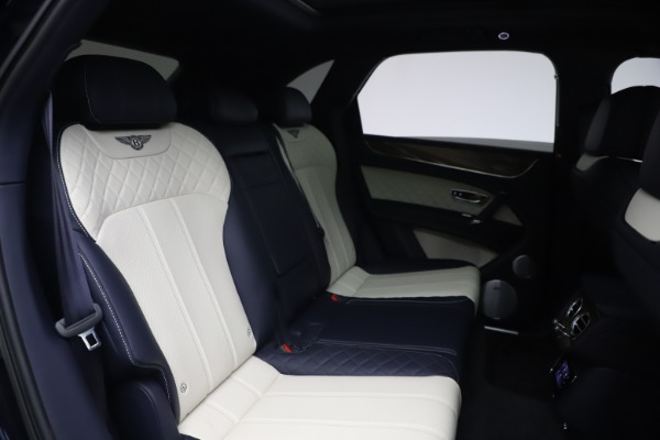 Used 2018 Bentley Bentayga W12 Signature Edition for sale $149,900 at Maserati of Greenwich in Greenwich CT 06830 28
