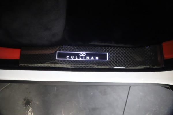 New 2021 Rolls-Royce Cullinan Black Badge for sale $431,325 at Maserati of Greenwich in Greenwich CT 06830 23