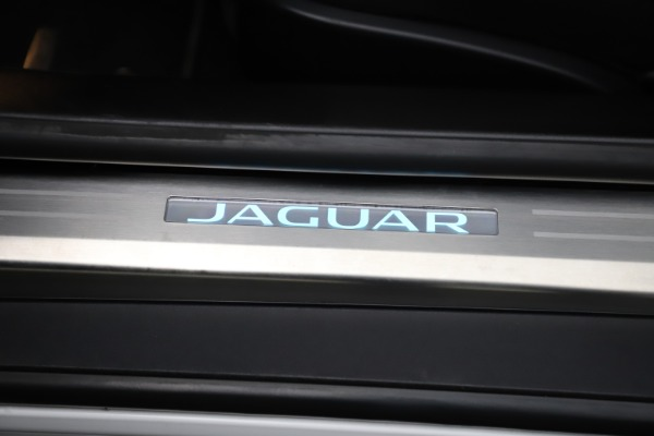 Used 2016 Jaguar F-TYPE R for sale $58,900 at Maserati of Greenwich in Greenwich CT 06830 25