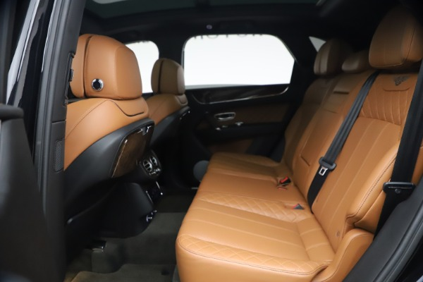 Used 2017 Bentley Bentayga W12 for sale $126,900 at Maserati of Greenwich in Greenwich CT 06830 23