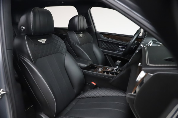 Used 2018 Bentley Bentayga W12 Signature for sale $154,900 at Maserati of Greenwich in Greenwich CT 06830 28