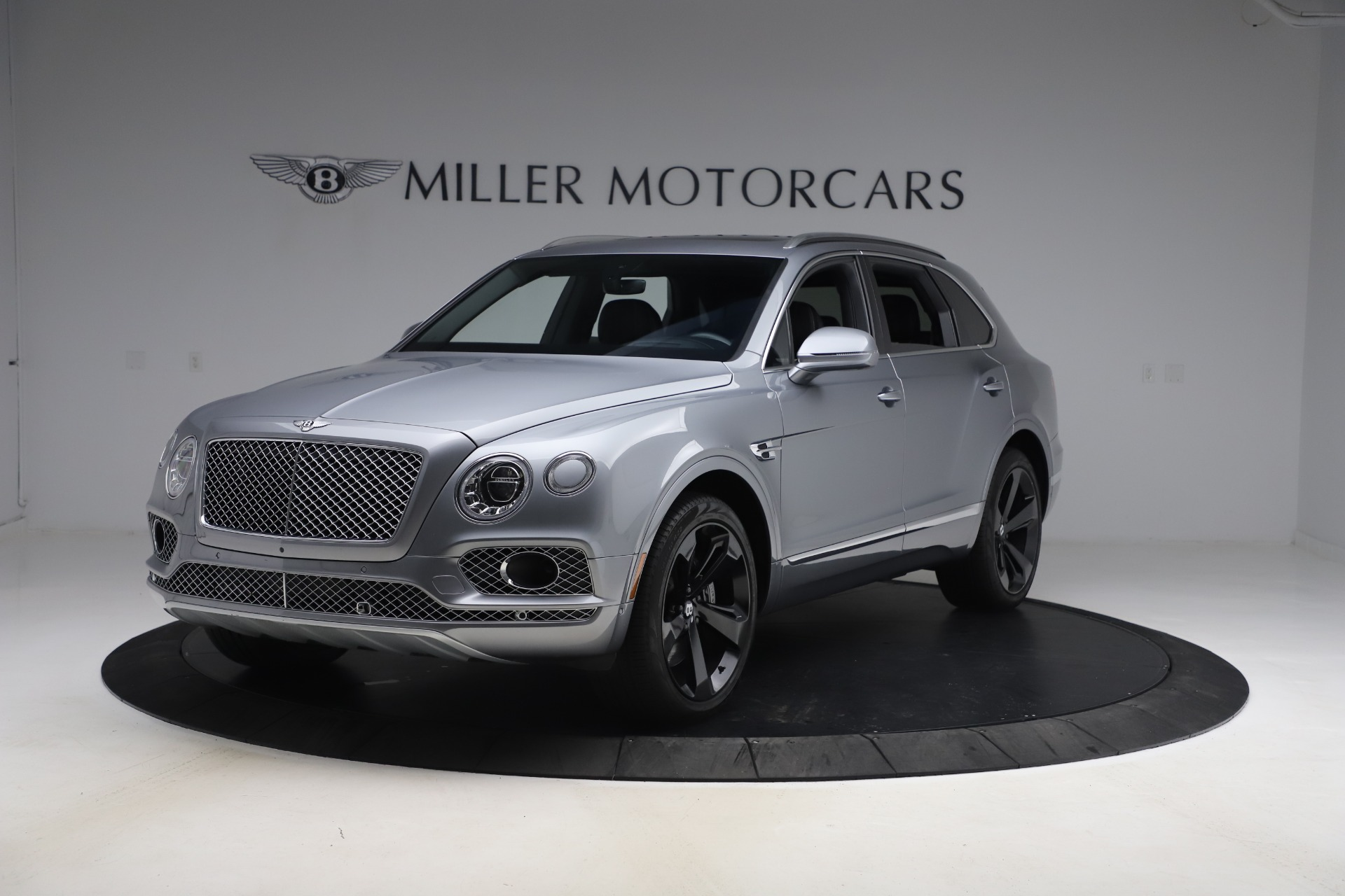 Used 2018 Bentley Bentayga W12 Signature for sale $154,900 at Maserati of Greenwich in Greenwich CT 06830 1