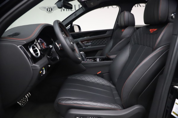 Used 2018 Bentley Bentayga Black Edition for sale $169,900 at Maserati of Greenwich in Greenwich CT 06830 18