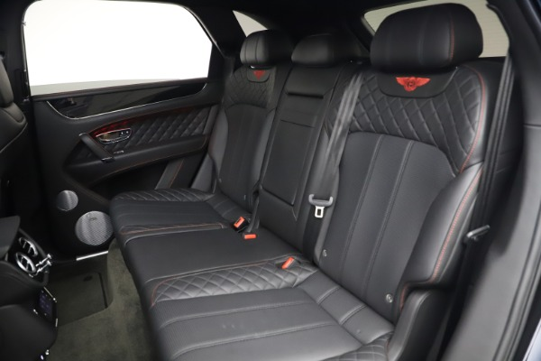 Used 2018 Bentley Bentayga Black Edition for sale $169,900 at Maserati of Greenwich in Greenwich CT 06830 22