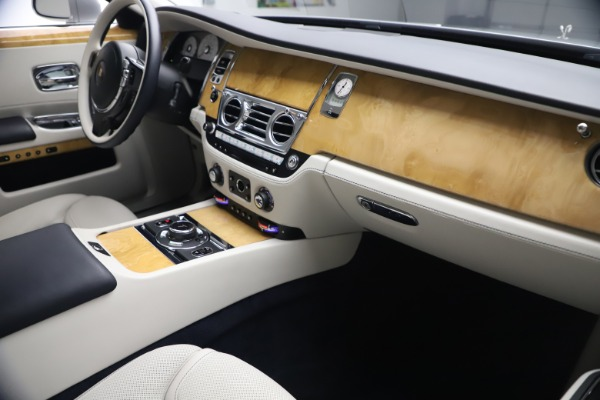 Used 2018 Rolls-Royce Ghost for sale $249,900 at Maserati of Greenwich in Greenwich CT 06830 17