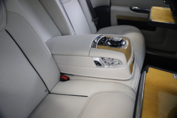 Used 2018 Rolls-Royce Ghost for sale $249,900 at Maserati of Greenwich in Greenwich CT 06830 24