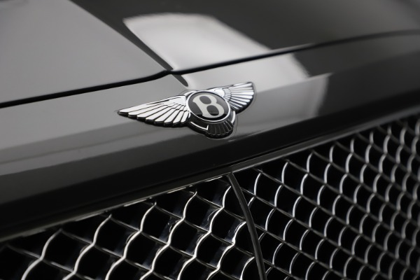 Used 2018 Bentley Bentayga W12 for sale $156,900 at Maserati of Greenwich in Greenwich CT 06830 16