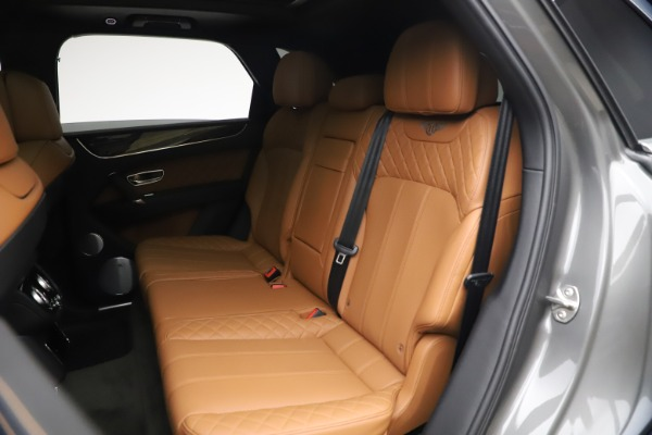 Used 2018 Bentley Bentayga W12 for sale $156,900 at Maserati of Greenwich in Greenwich CT 06830 24