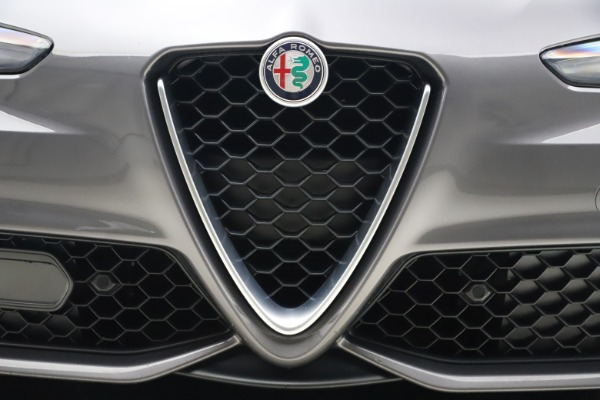 Used 2017 Alfa Romeo Giulia Ti Sport for sale $26,900 at Maserati of Greenwich in Greenwich CT 06830 14