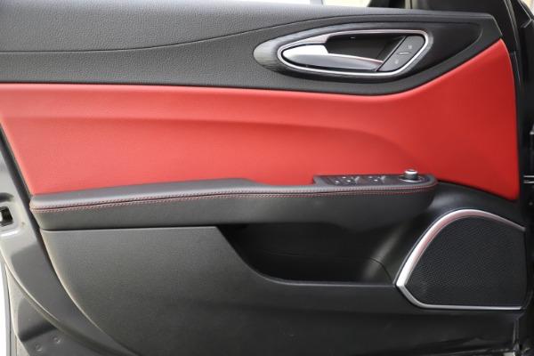 New 2021 Alfa Romeo Giulia Q4 for sale $48,035 at Maserati of Greenwich in Greenwich CT 06830 18