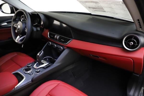 New 2021 Alfa Romeo Giulia Q4 for sale $48,035 at Maserati of Greenwich in Greenwich CT 06830 24