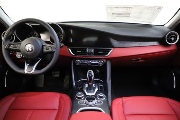 New 2021 Alfa Romeo Giulia Q4 for sale $48,035 at Maserati of Greenwich in Greenwich CT 06830 28