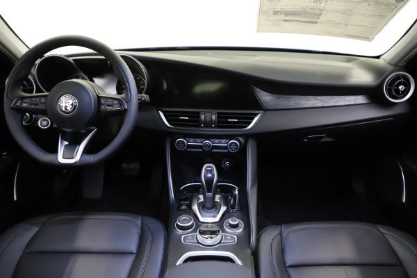 New 2021 Alfa Romeo Giulia Q4 for sale $46,800 at Maserati of Greenwich in Greenwich CT 06830 16