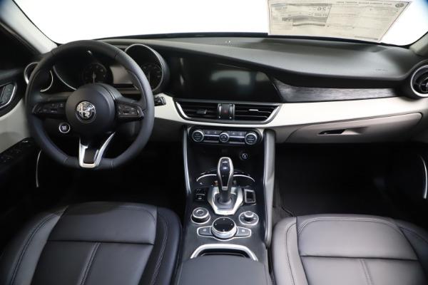 New 2021 Alfa Romeo Giulia Q4 for sale Call for price at Maserati of Greenwich in Greenwich CT 06830 15