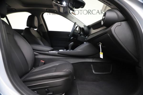 New 2021 Alfa Romeo Giulia Q4 for sale $46,490 at Maserati of Greenwich in Greenwich CT 06830 21
