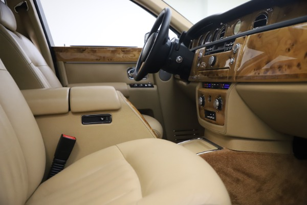 Used 2006 Rolls-Royce Phantom for sale $109,900 at Maserati of Greenwich in Greenwich CT 06830 24
