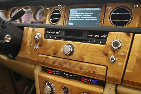 Used 2006 Rolls-Royce Phantom for sale $109,900 at Maserati of Greenwich in Greenwich CT 06830 25