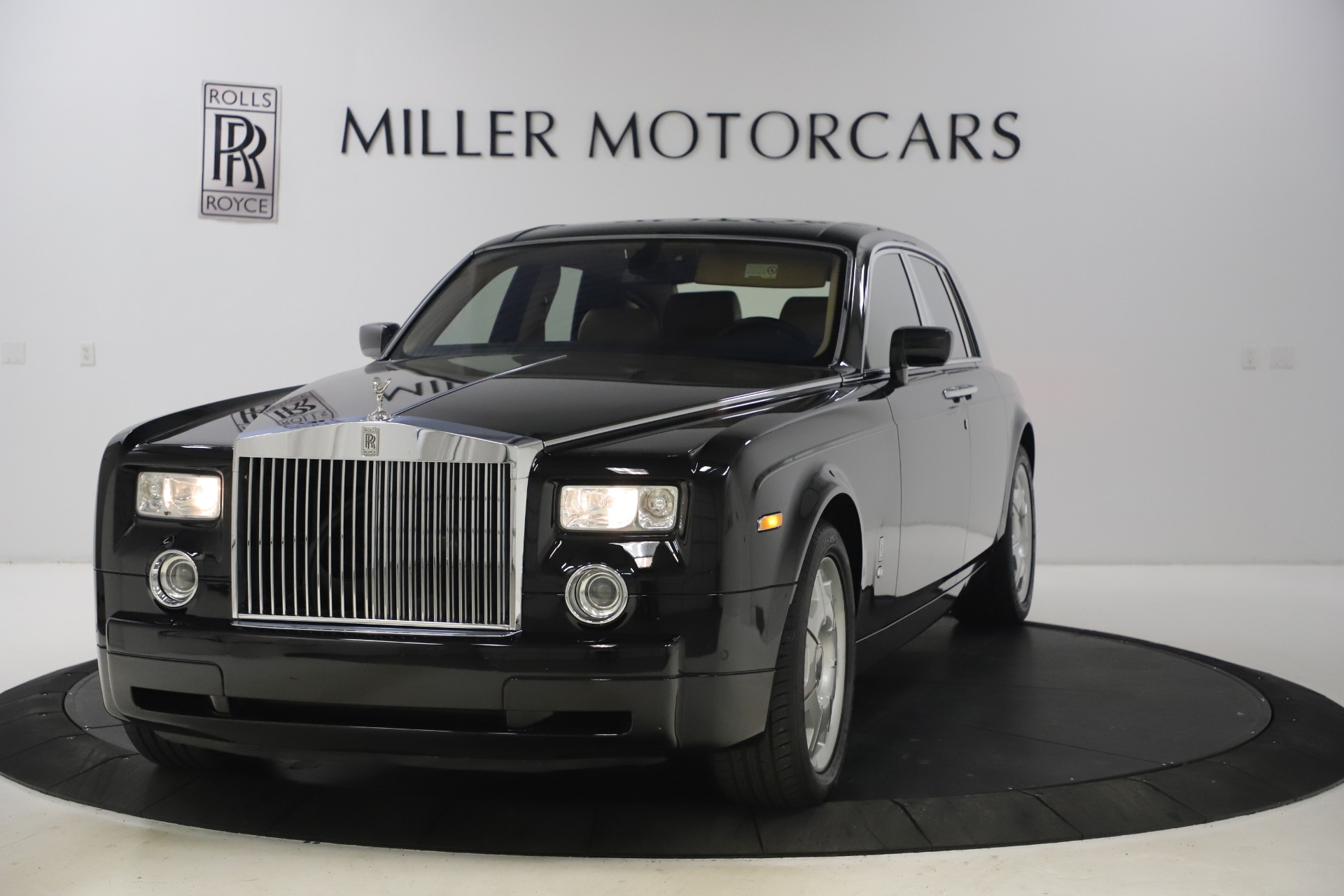 Used 2006 Rolls-Royce Phantom for sale $109,900 at Maserati of Greenwich in Greenwich CT 06830 1