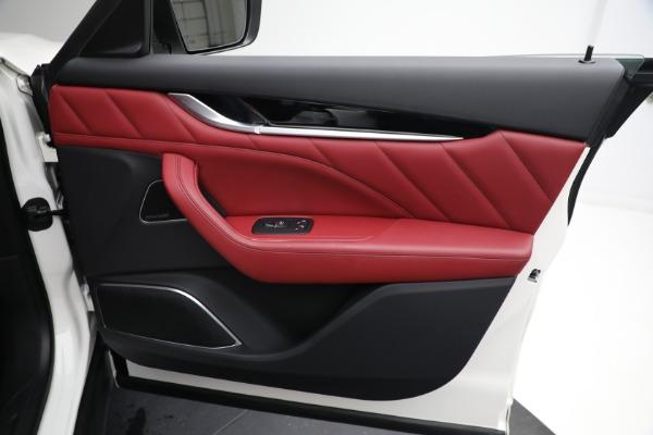 New 2021 Maserati Levante Q4 for sale $76,769 at Maserati of Greenwich in Greenwich CT 06830 21