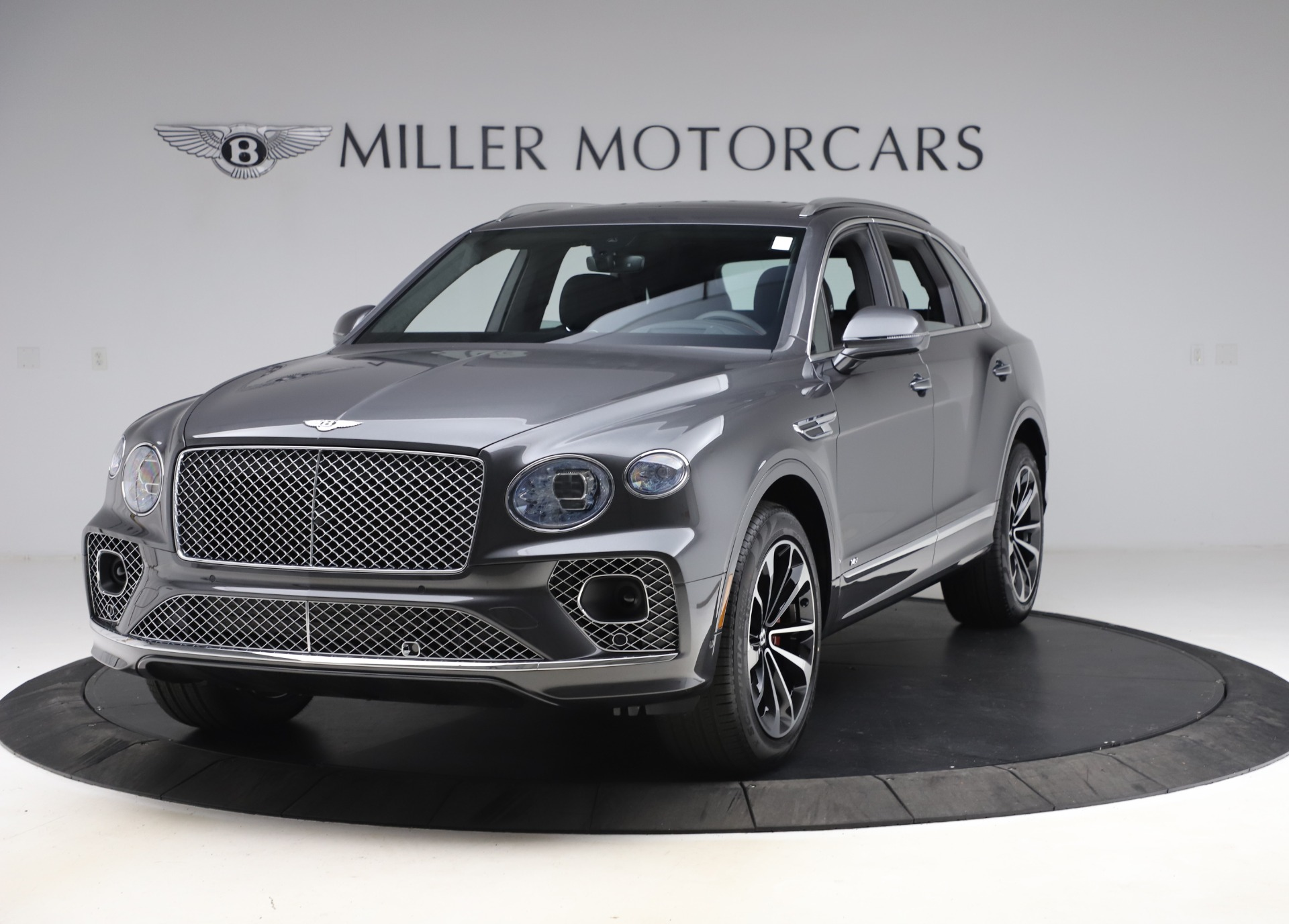 New 2021 Bentley Bentayga V8 for sale $213,720 at Maserati of Greenwich in Greenwich CT 06830 1