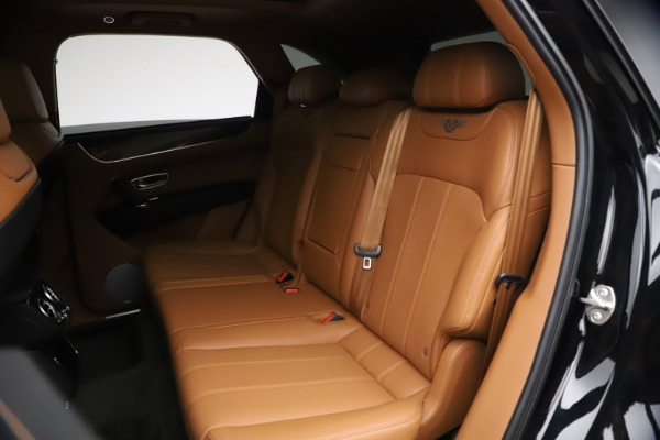 Used 2018 Bentley Bentayga Onyx Edition for sale $144,900 at Maserati of Greenwich in Greenwich CT 06830 18